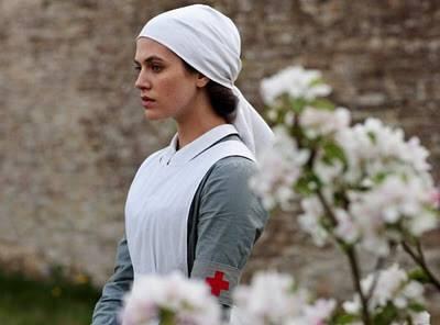 Downton-Abbey-Season-2-Episode-2-02-Promotional-Photos-period-drama-fans-25427221-595-441