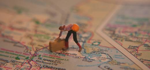 figurine with suitcase