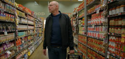 Michael Pollan at supermarket credit John Chater