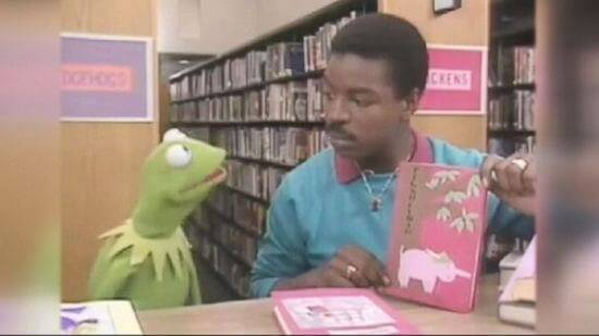 kermit-reading-rainbow
