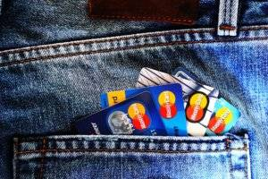 This is How Experts Say You Should Pay Off Credit Cards