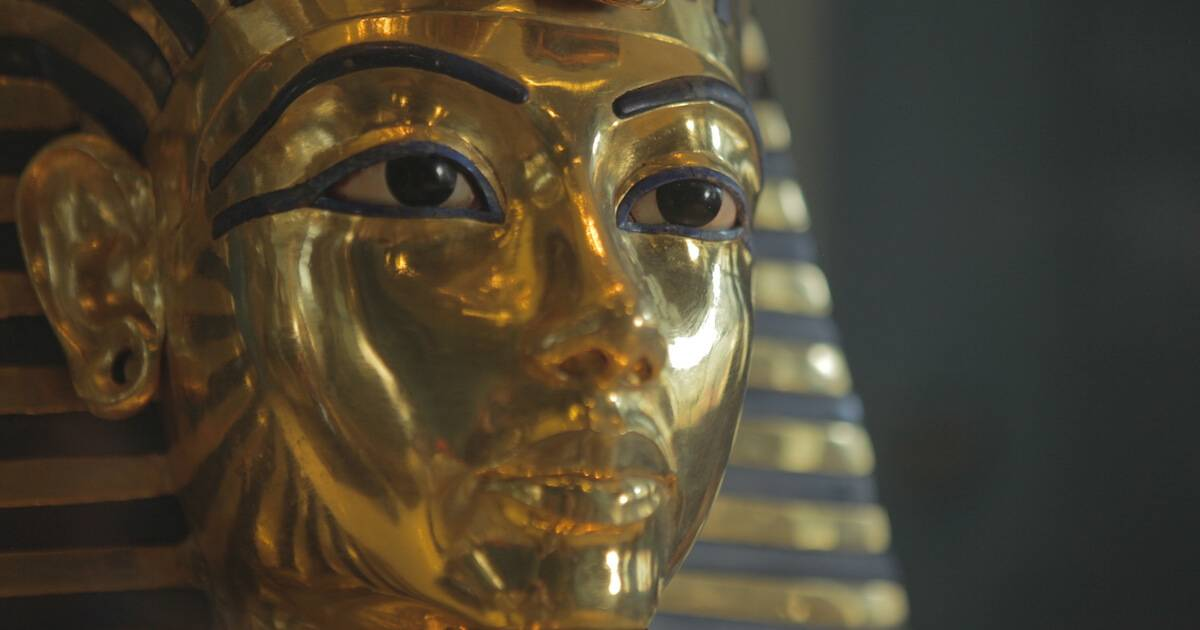The Mask of Tutankhamun at the Museum of Egyptian Antiquities, Cairo. 3-D Tech pbs rewire