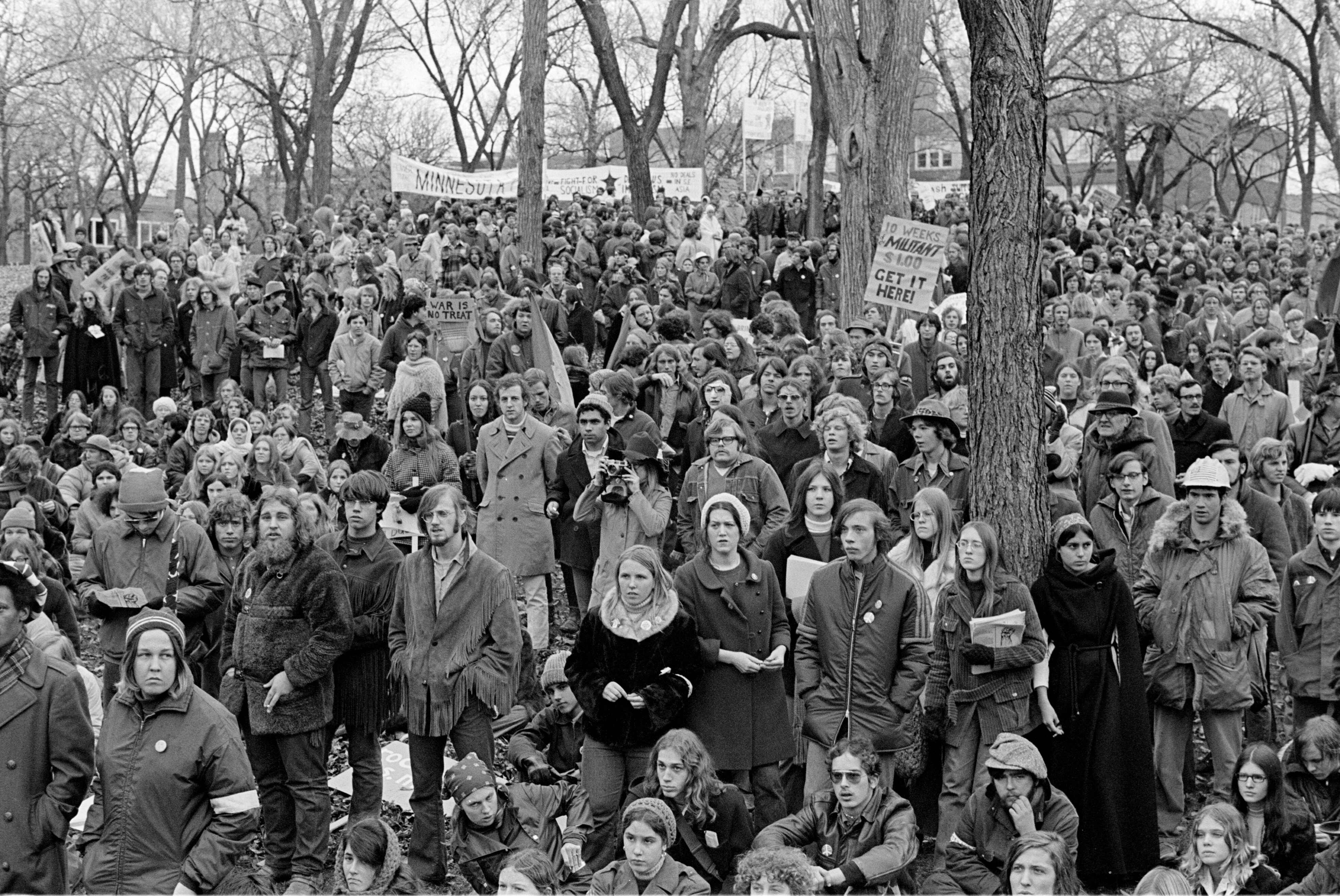 Black and white photo of large Vietnam War protestor group.
